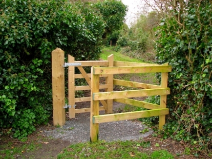 kissing-gate